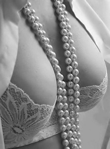 ibiza escort big boobs pearl necklace