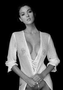 marbella escort wet linen shirt