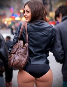 pert ass black pants escort marbella