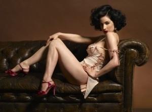 sexy red shoes marbella escort