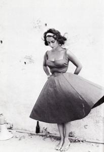 marbella escort new line skirt
