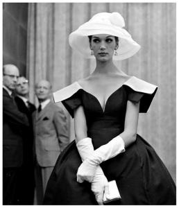 marbella escort classic mannequin