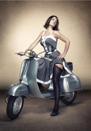 sexy_stockings_on_vespa